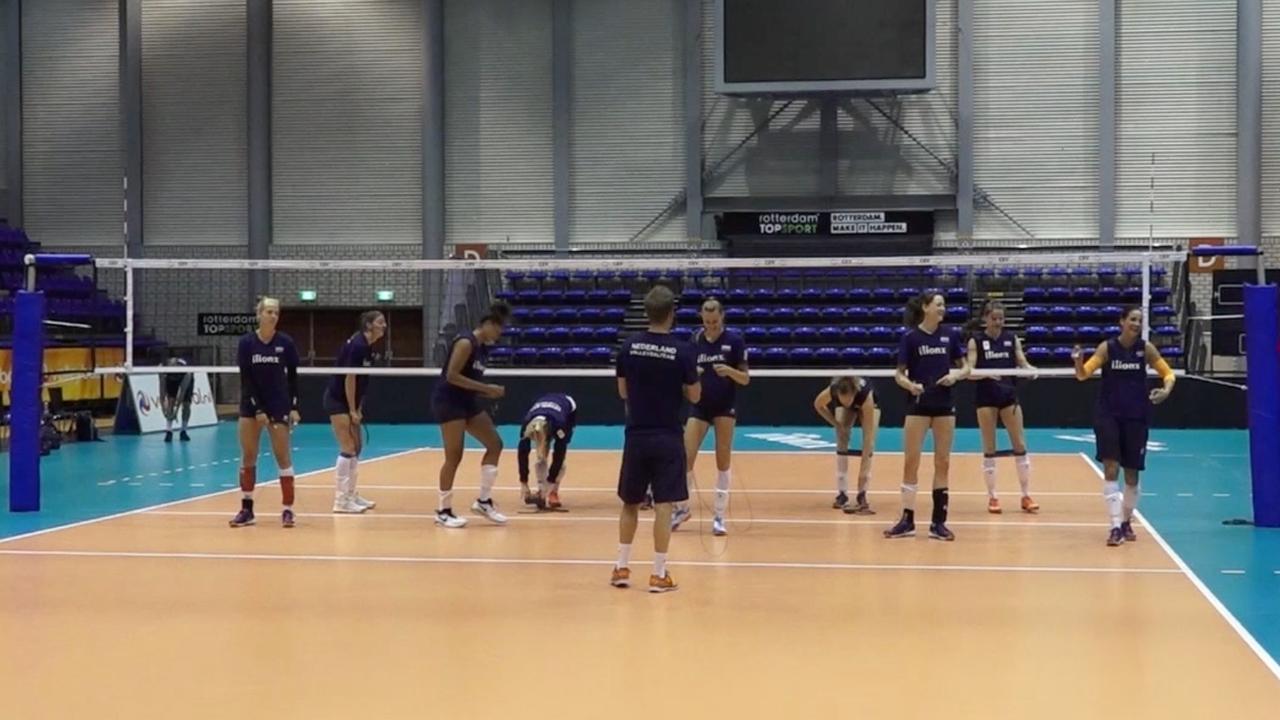 Nederlandse volleybalvrouwen werken ontspannen toe naar cruciale duels