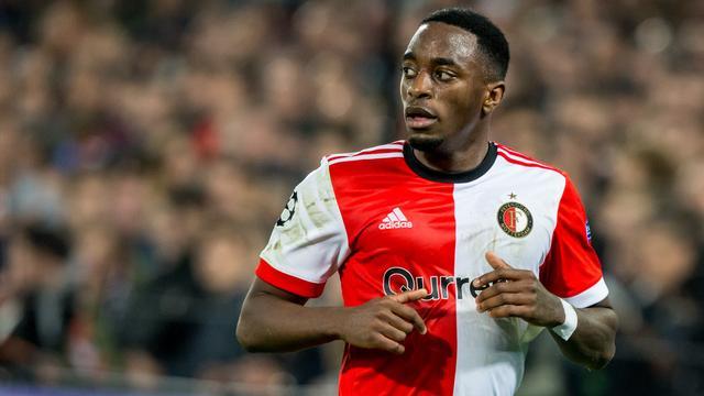 Feyenoorder Haps verschijnt voor het eerst in maanden op trainingsveld