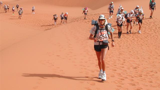 Leiderdorper bereidt zich voor op extreme marathon door woestijn