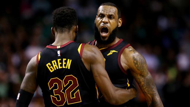 LeBron James met Cavaliers voor vierde keer op rij naar NBA-finale