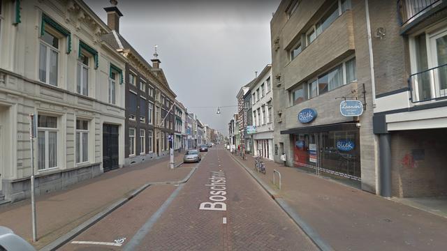 Man aangehouden na meerdere vluchtpogingen bij verkeerscontrole Breda