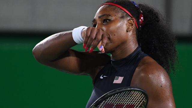 Titelverdedigster Serena Williams verrassend onderuit in derde ronde