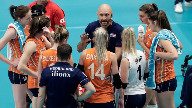 Morrison wil ondanks mislopen medaille bondscoach volleybalsters blijven