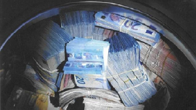 Politie vindt 350.000 euro in wasmachine en houdt witwasverdachte aan