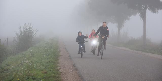 Weerbericht: Code geel wegens dichte mist in westen van het land