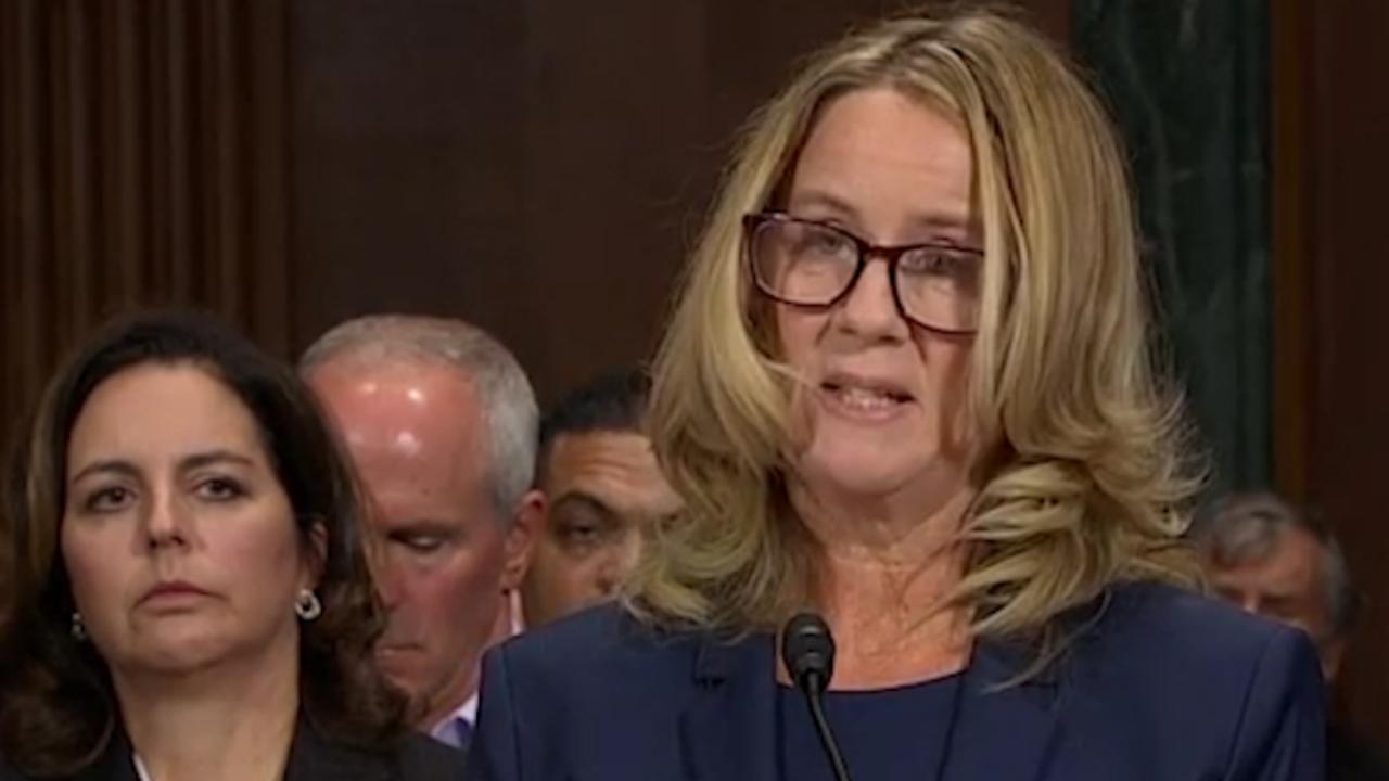 Ford vertelt emotioneel 'hoe Kavanaugh haar belaagde'