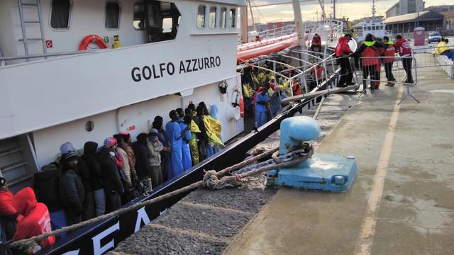 EU-missie tegen mensensmokkel Libië verlengd tot eind 2018