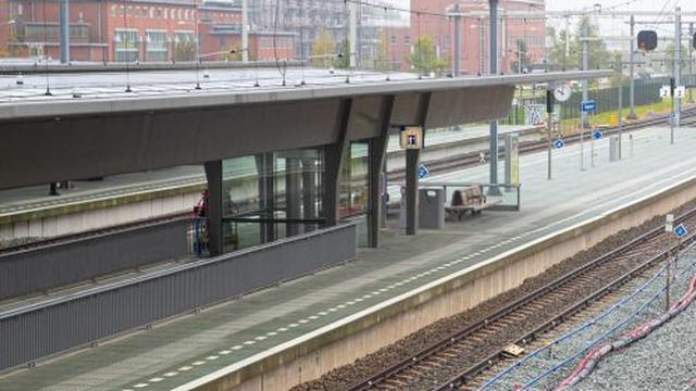 Treinstation Europapark krijgt komend weekend extra perronkappen