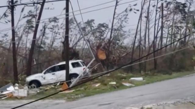 Zware orkaan Dorian bereikt Bahama's, evacuaties VS vanwege noodweer