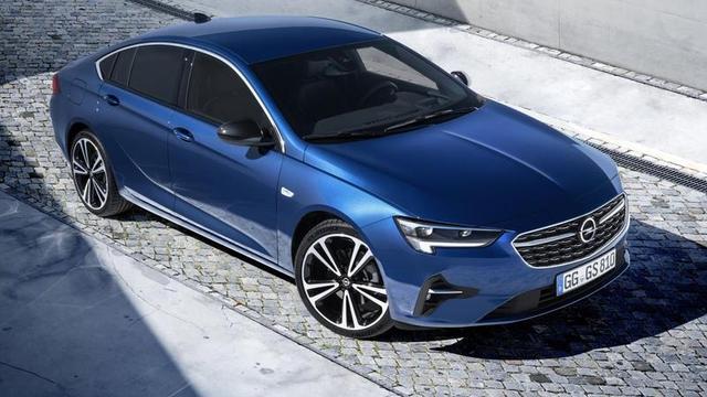 Nieuwe techniek en uiterlijke aanpassingen voor opgewaardeerde Opel Insignia