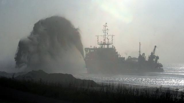 Half miljoen kuub zand aangebracht bij Brouwersdam