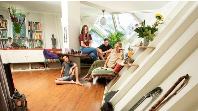 Deze gezinnen ruilden hun huizen in voor kleine optrekjes