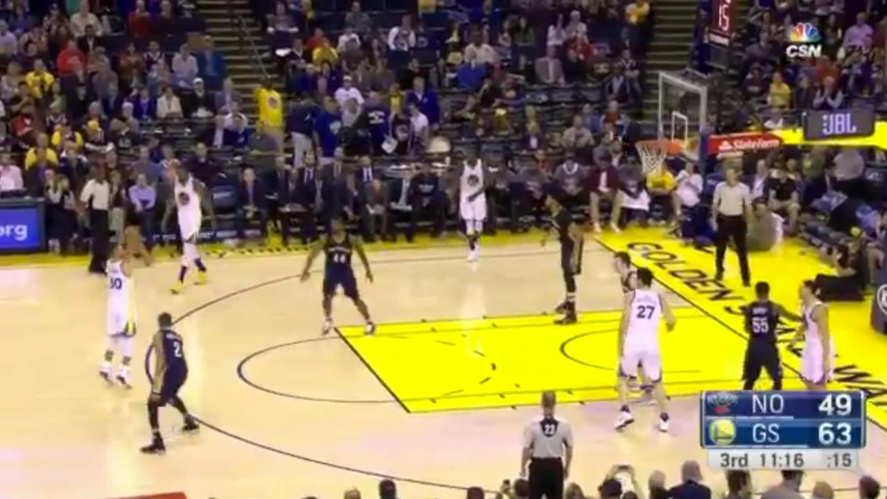 Bekijk hier de driepunters van Curry's nieuwe NBA-record