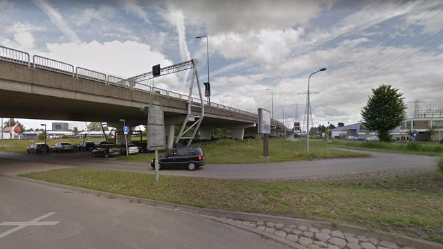'Politie beëindigt straatrace op Bergenweg in Groningen'