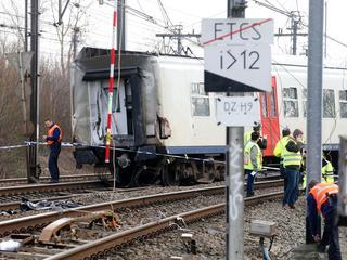 Deel van de wagons omgevallen toen trein ontspoorde