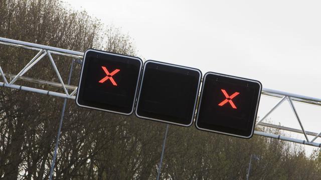 Wijkertunnel in A9 naar zuiden hele nacht dicht vanwege schade