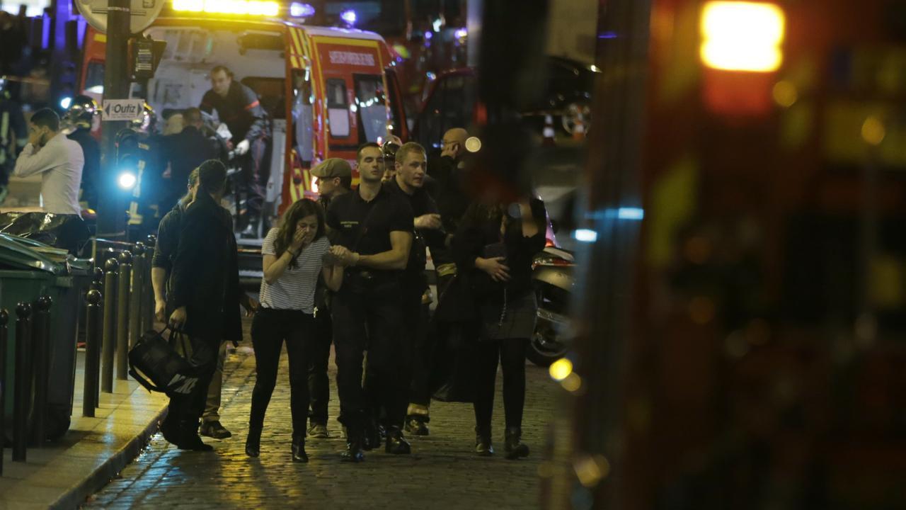 Beelden steeg bij Bataclan tijdens aanslagen Parijs