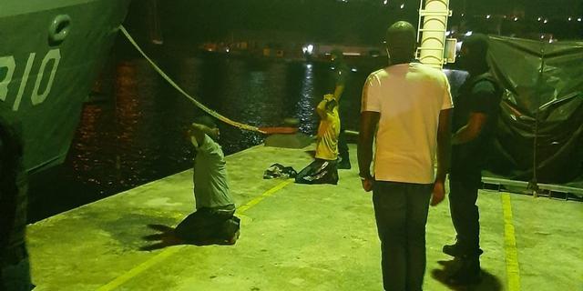 Kustwacht Curaçao onderschept 1.325 kilo drugs en verricht 12 aanhoudingen