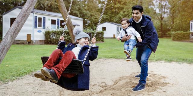 Verblijf op Vakantiepark Dierenbos met toegang tot Beekse Bergen: vanaf 185 euro