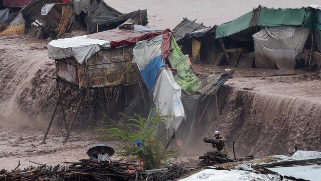 Overstromingen Pakistan kosten aan tientallen mensen het leven