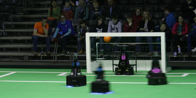 Eindhovens team voor derde maal wereldkampioen robotvoetbal