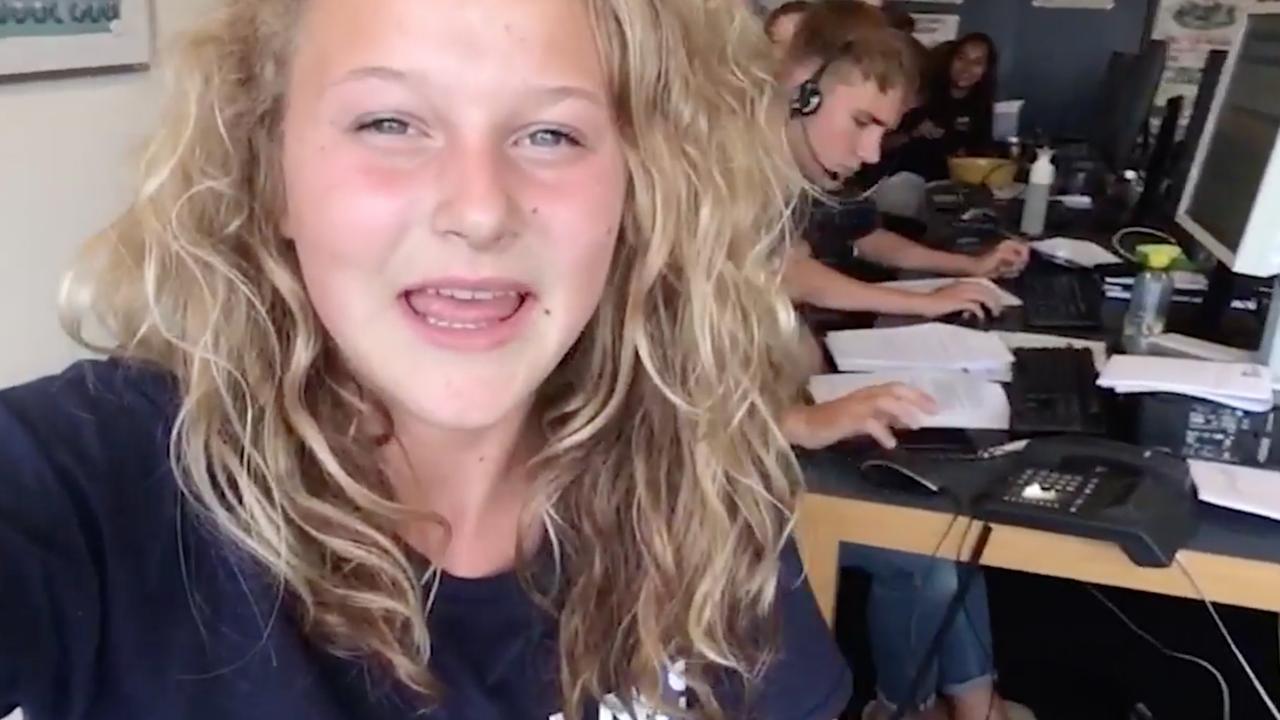 Eindexamenjournaal dag 8: Door stoelen zakken en pittig examen wiskunde