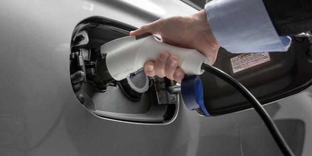 Fors meer volledig elektrische auto's in Nederland