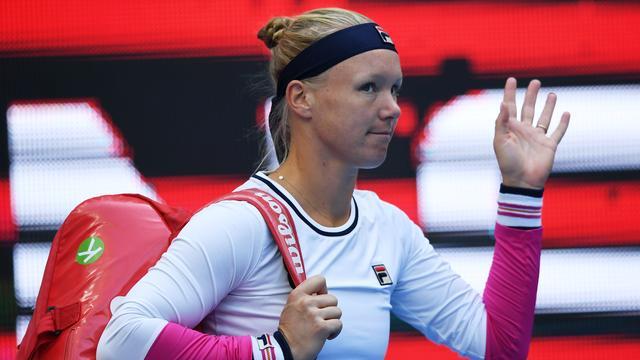 Bertens houdt zicht op WTA Finals na moeizame zege op Van Uytvanck