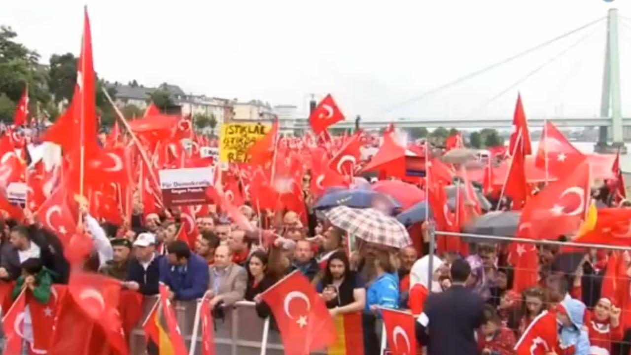Grote pro-Erdogan betoging van start in Keulen