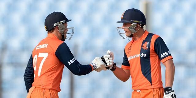 Cricketers pakken WK T20-ticket na zege op VAE in kwalificatietoernooi