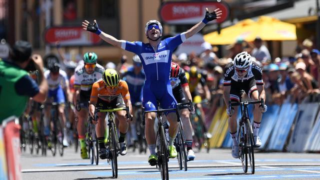 Viviani boekt in derde rit Down Under eerste zege voor Quick-Step