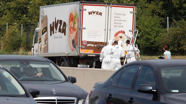 Tientallen vluchtelingen dood gevonden in vrachtwagen Oostenrijk