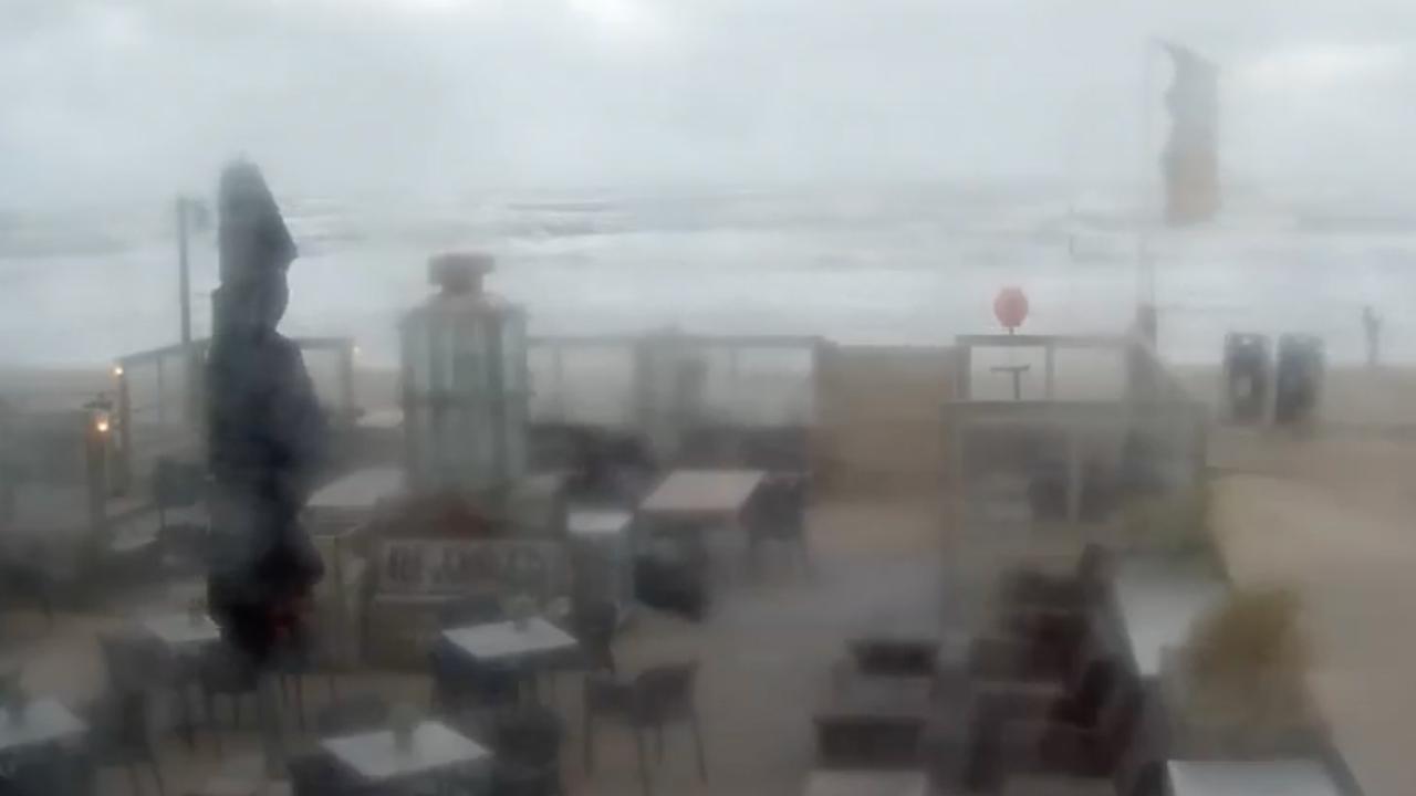Livestream: Eerste officiële herfststorm waait door Nederland
