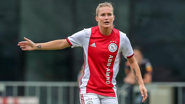 Vrouwen Ajax winnen topper tegen FC Twente, PSV morst punten tegen ADO