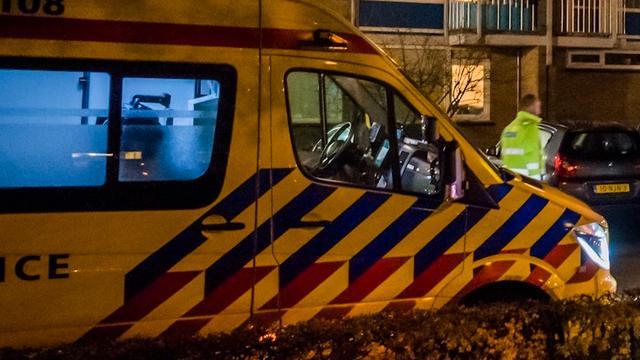 Auto over de kop geslagen op de Oudeweg in Haarlem