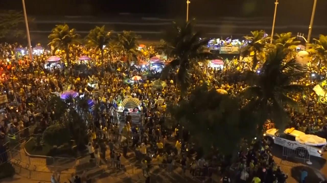 Brazilianen straat op na winst extreemrechtse president
