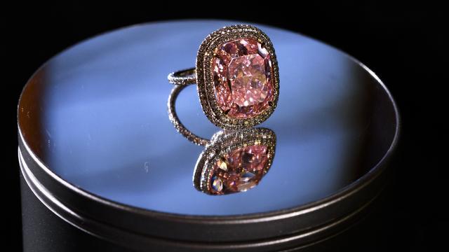 Zeldzame roze diamant in Genève onder de hamer