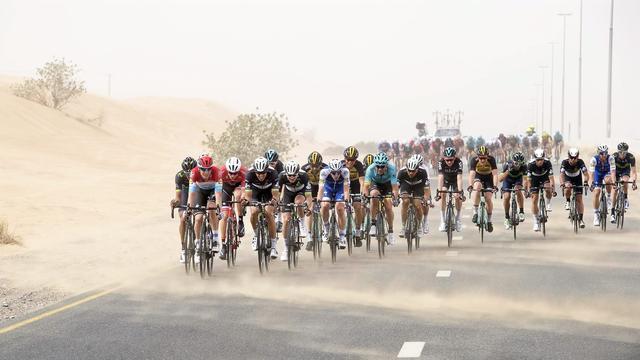 Koninginnenrit Ronde van Dubai afgelast vanwege te harde wind