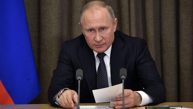 Merkel en Poetin bellen over geëscaleerde situatie Oekraïne