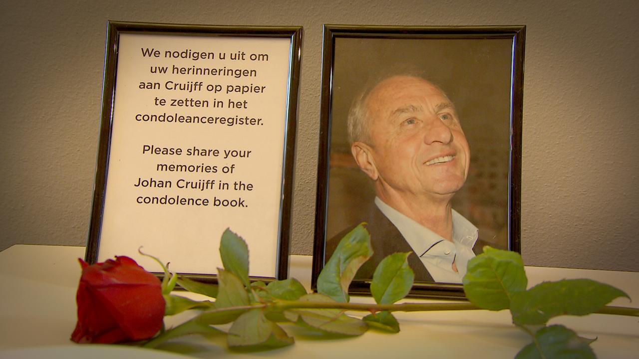 Amsterdam Museum opent condoleance Cruijff