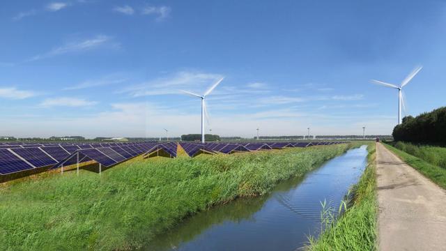 Nuon gaat groene stroom afnemen van zonneparken in Nederland