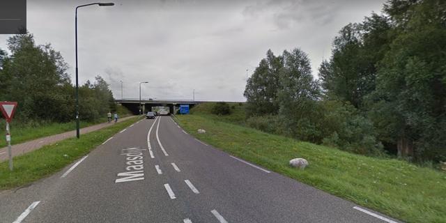 Bromfietser omgekomen in tunnel tussen Raamsdonkveer en Hank