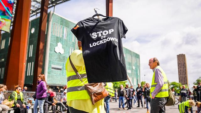Demonstratie tegen lockdown in Eindhoven rustig verlopen