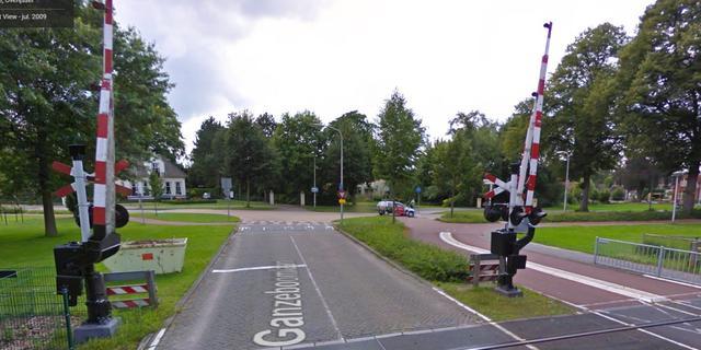 VVD blij met aandacht gevaarlijke kruising bij spoor Raalte