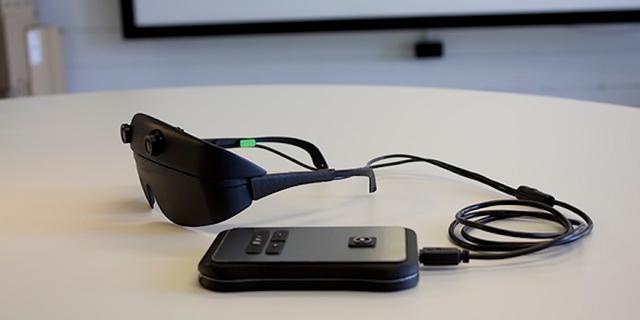 Slimme bril beschrijft omgeving aan blinden