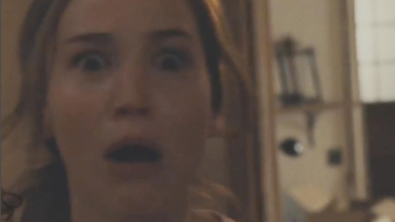 Jennifer Lawrence hoort stemmen in nieuwe trailer Mother!
