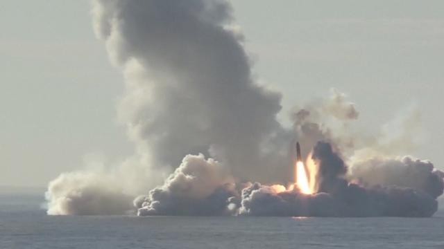 Rusland lanceert vier raketten vanuit onderzeeër