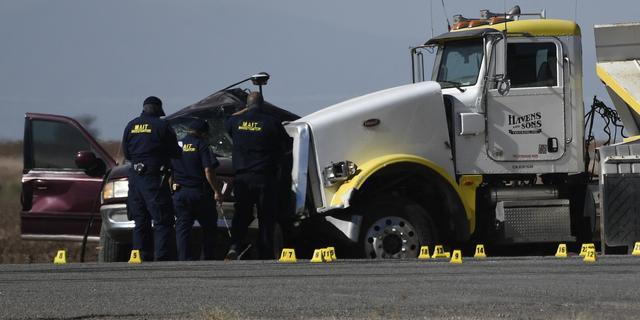 Zeker dertien doden bij zwaar auto-ongeluk in Californië
