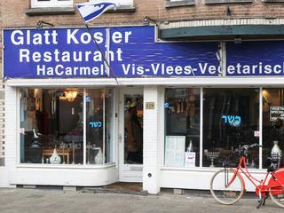 Man sloeg ramen van een joods restaurant in