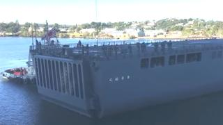 Japans marineschip botst op kade van haven in Brisbane